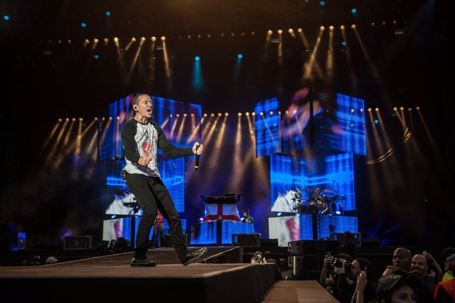 Chester Bennington of Linkin Park live on stage on day 2 at Download Festival on