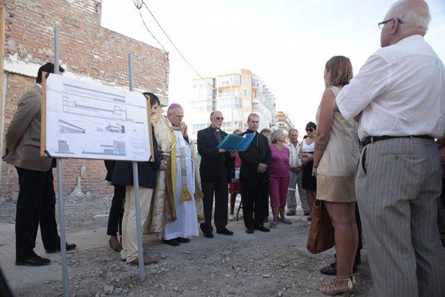 Acto de colocación de la primera piedra en octubre de 2015