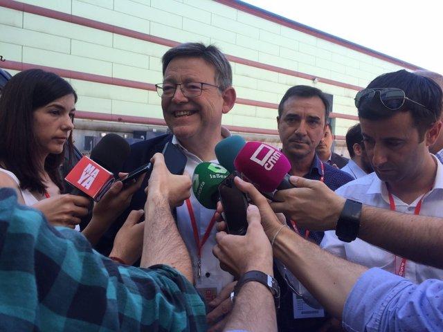 El 'president' a su llegada al 39 Congreso del PSOE