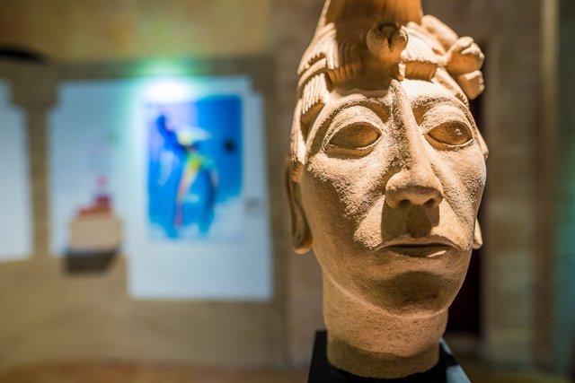 Busto rey Pakal maya