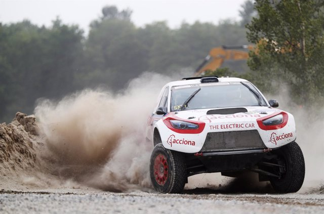 El Acciona 100% EcoPowered completa su primer rally europeo
