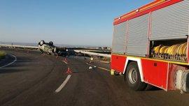 Fallece el conductor de un todoterreno en un accidente en la A-2, en la rotonda de Centrovía en La Muela