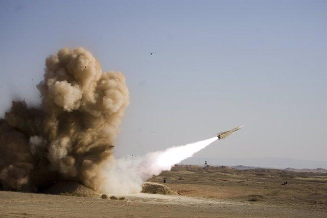 Irán Prueba Nuevos Misiles