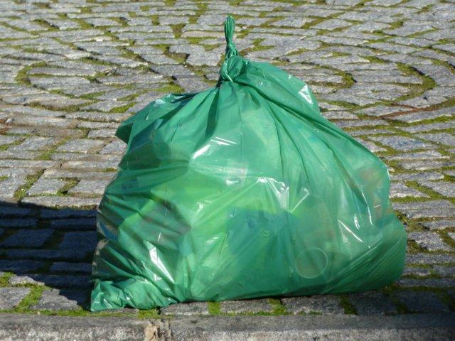 bolsa de basura limpieza urbana
