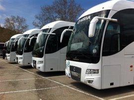 Plantón a la Xunta a 24 horas del inicio de la huelga de autobuses