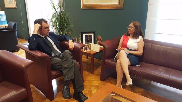 Imagen del encuentro entre Susana Hernández y José Ballesta