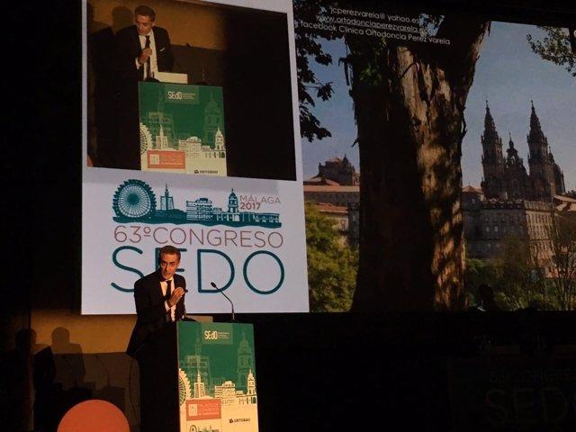 El doctor Juan Carlos Perez Varela en el 63 Congreso de SEDO