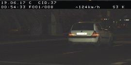 Detenido un joven que circulaba a 117 km/h en la Avenida del Cid de València