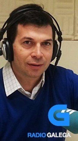 El socialista vigués Gonzalo Caballero ebn la Radio Galega