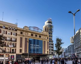 El Edificio Capitol, uno de los emblemas de la plaza de Callao con su cartel de Schweppes, será declarado BIC