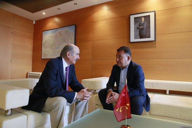 Mazón con el presidente de la Asociación de Constructores