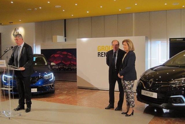 De los Mozos (Renault) y Fátima Báñez