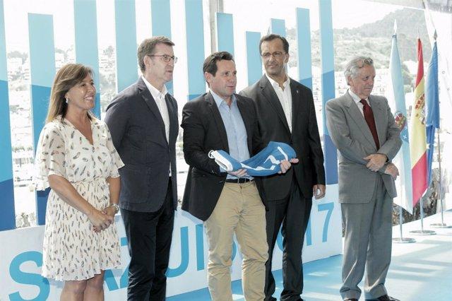 Acto de entrega de las banderas azules en Baiona, Pontevedra