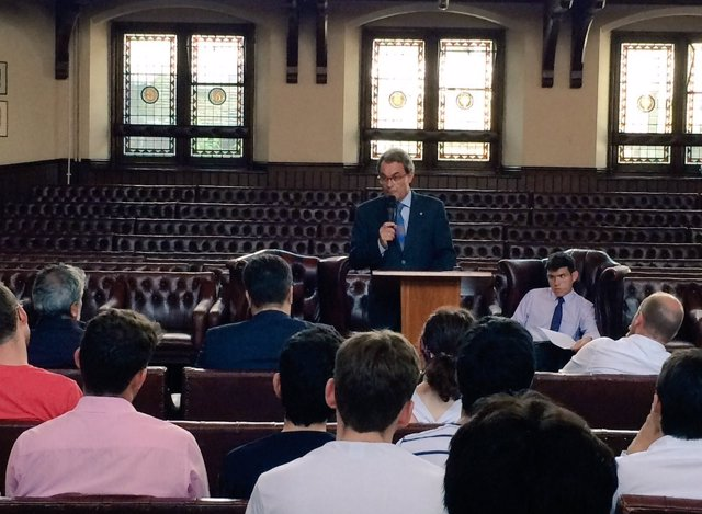 Expte.Artur Mas en una conferencia en Cambridge