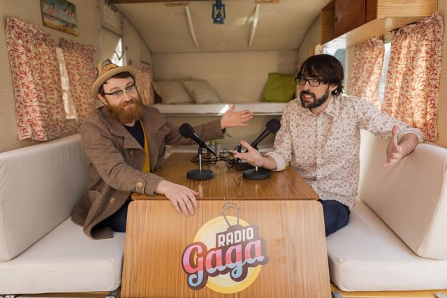 RADIO GAGA con Manuel Burque y Quique Peinado