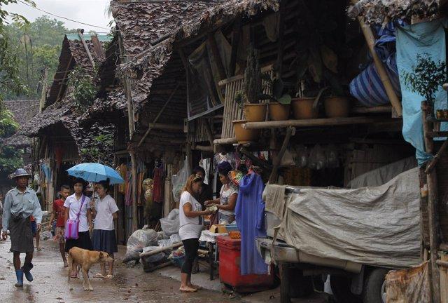 Refugiados karen birmanos en Mae La, Tailandia