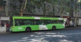Seis de cada 10 líneas regulares de autobús, afectadas este martes en una huelga sin precedentes en Galicia