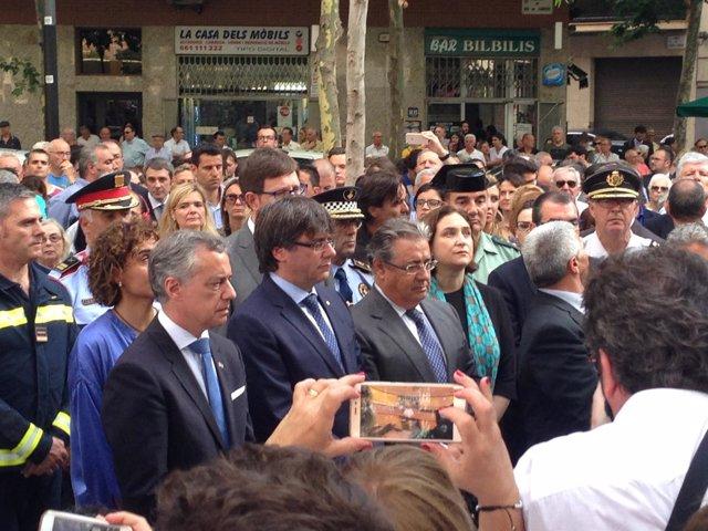 Homenaje con C.Puigdemont, J.I.Zoido, A.Colau e I.Urkullu