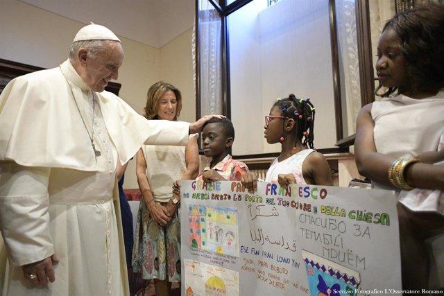 El Papa Francisco con unos niños