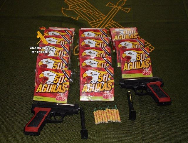 Confiscan pirotecnia guarda civil pistolas airsoft málaga frigiliana