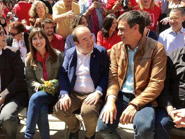 Núria Parlon, Miquel Iceta y Pedro Sánchez en Barcelona
