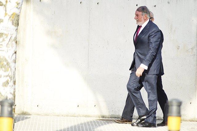 Jaime Mayor Oreja a su llegada a la Audiencia Nacional para declarar por Gürtel