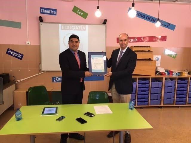 Soria: el director de Los Escolapios recibe el diploma areditativo