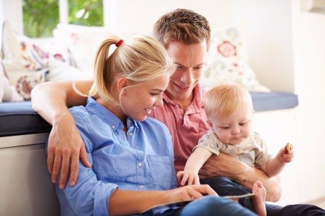 Leer, padres, hijo, bebé, familia, leyendo, niño