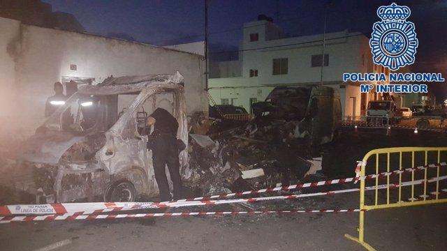"""Nota De Prensa: """"La Policía Nacional Rescata A Una Mujer Y A Sus Dos Hijas De 10"""