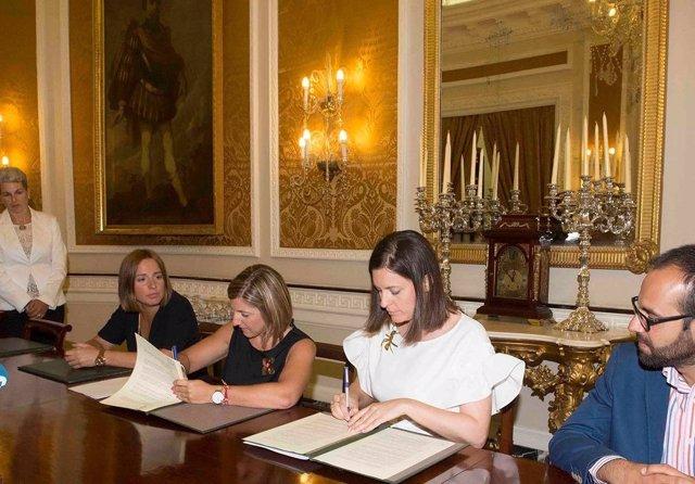 Diputación y Ayuntamiento de San Fernando firman el acuerdo