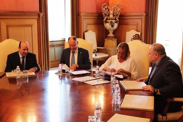 La Diputación de Pontevedra y la Universidade de Vigo firman convenio.
