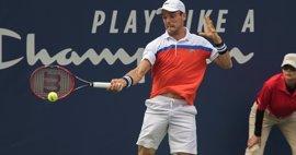 Bautista acompaña a Federer en segunda ronda de Halle
