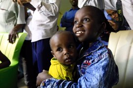 Hijos de milicianos del Estado Islámico se reúnen con sus familias en Sudán
