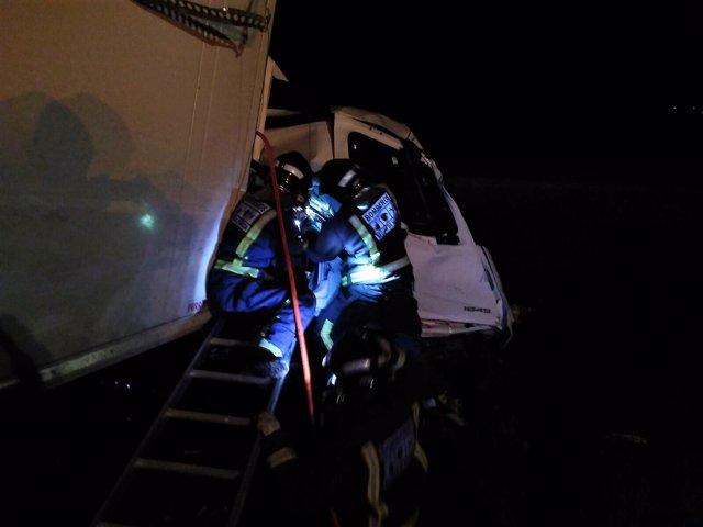 Bomberos sacan heridos accidente de camiones  en la A-30, altura de Cieza