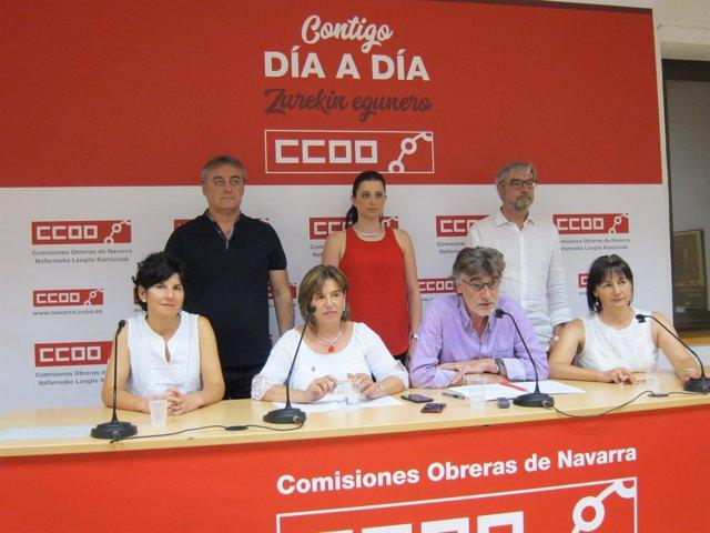 Chechu Rodríguez junto a la Ejecutiva de CCOO de Navarra