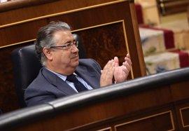 """Zoido recomienda al PSOE dejar de """"exprimir el limón seco"""" de la 'Operación Lezo' para atacar a su 'número dos'"""
