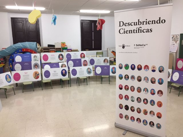 Exposición 'Descubriendo científicas'