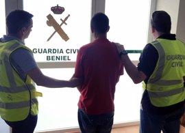 Guardia Civil desmantela un grupo juvenil de delincuentes dedicado al robo en garajes y vehículos en Beniel