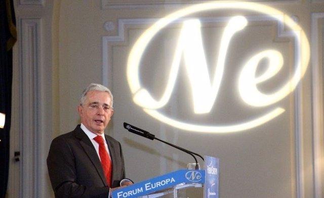 El expresidente colombiano Álvaro Uribe en un desayuno informativo de Fórum Euro
