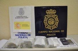 Detenidos dos menores en Medina (Valladolid) que almacenaban 300 gramos de marihuana en un trastero