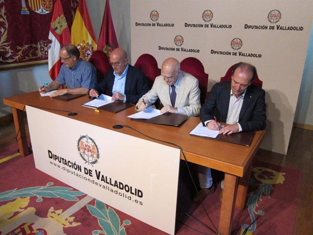 Firma de los convenios con Cáritas, Banco de Alimentos y Cruz Roja