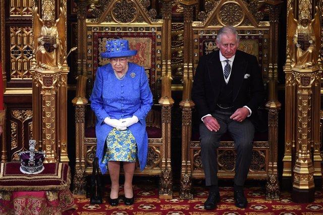 Isabel II en el Discurso de la Reina en la apertura del Parlamento