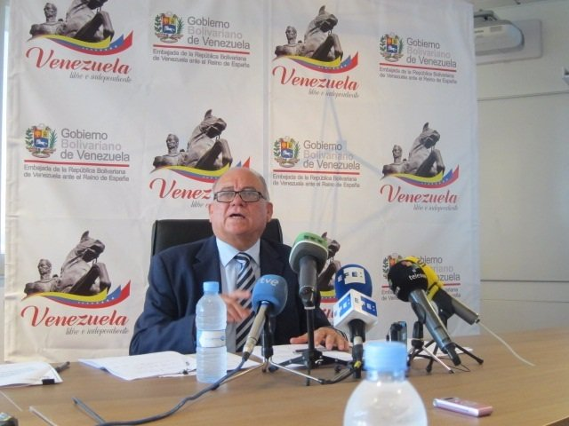 Rueda De Prensa Mario Isea