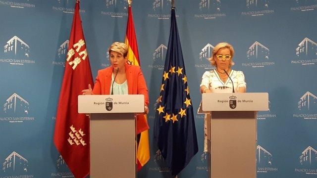 Noelia Arroyo, a la izquierda, en la rueda de prensa