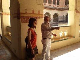 Visita de Podemos al monasterio de San Isidoro tras la manifestación por el patrimonio de Santiponce