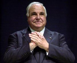 Macron, Merkel y Bill Clinton participarán en el homenaje que la UE rendirá a Kohl el 1 de julio
