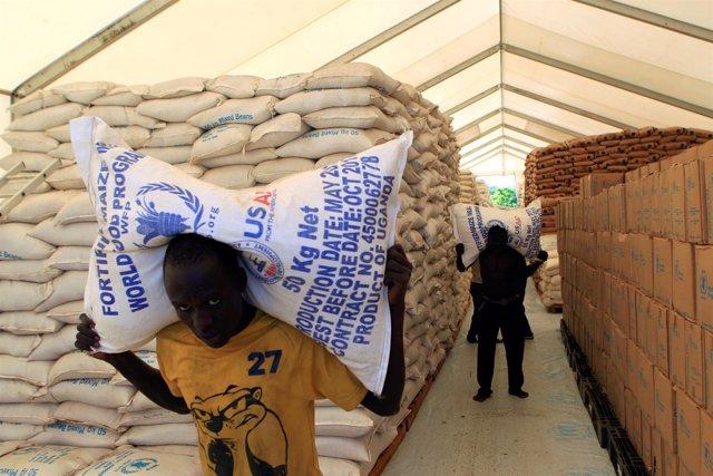 Ayuda del PMA a refugiados sursudaneses en Uganda