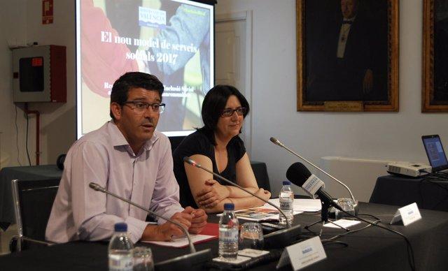Jorge Rodríguez y Rosa Pérez presentan el nuevo modelo de servicios sociales