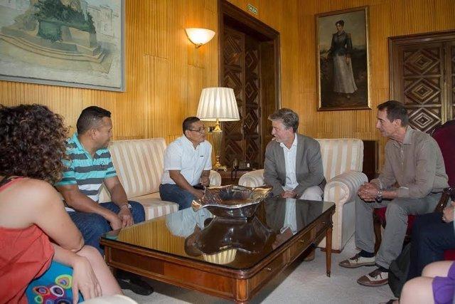 Reunión del alcalde con representantes de León (Nicaragua)