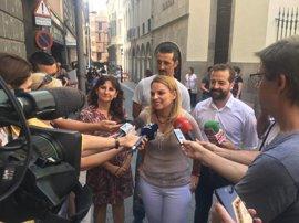 "Santana apela a construir un Podemos ""inconformista y rebelde"""